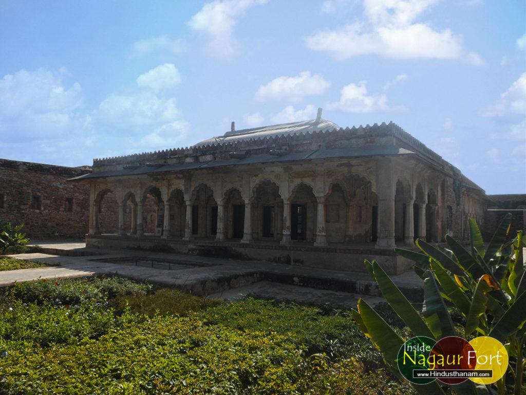 sheesh-mahal-nagaur-fort